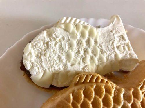 シャトレーゼ 和菓子アイスたい焼き最中 しっぽまであん バニラ裏側