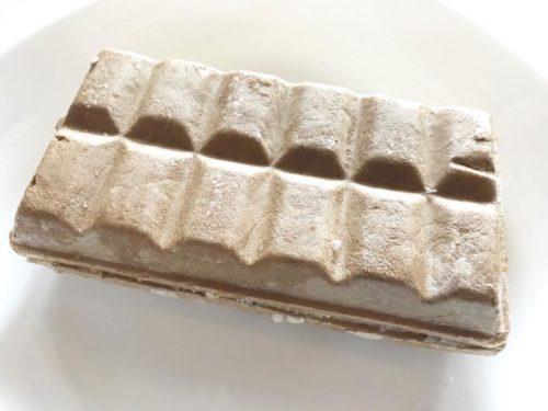 シャトレーゼ DESSERTモナカ キャラメルバナナクリームチーズ中身